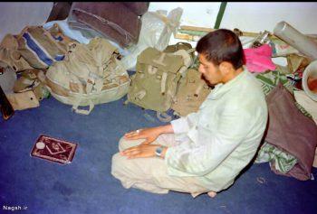 نماز نوجوان رزمنده