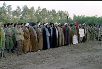 روحانیون در صف اول