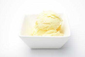 بستنی لیوانی زعفرانی