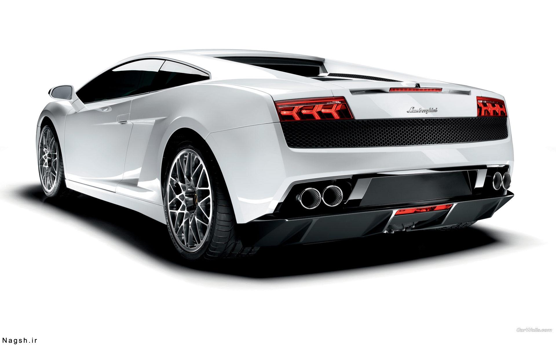 تصویر بک گراند سفید ماشین لامبورگینی