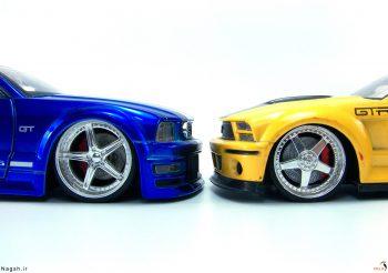 ماشین آبی و زرد