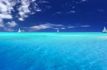 قایق سواری در دریا