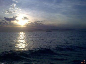 طلوع بر روی دریا
