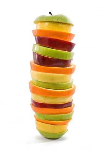 طبقاتی رنگین از میوه ها