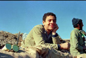 لبخند بزن بسیجی نوجوان