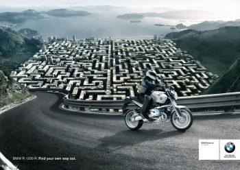 پوستر تبلیغاتی موتور سیکلت