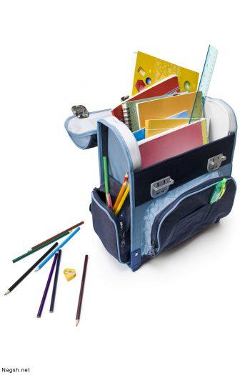 کیف مدرسه با لوازم آن